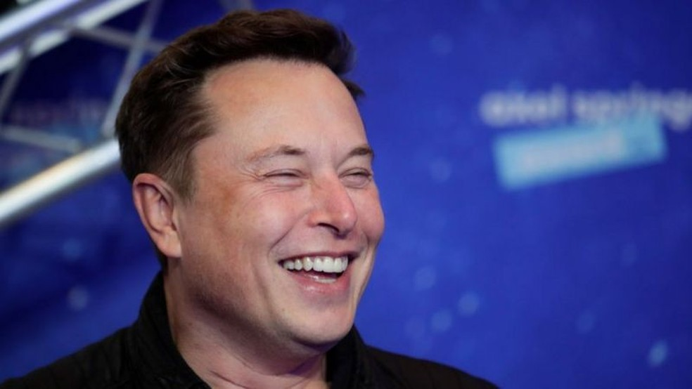 Elon Musk: por que a Tesla desistiu de aceitar bitcoins como pagamento por carros