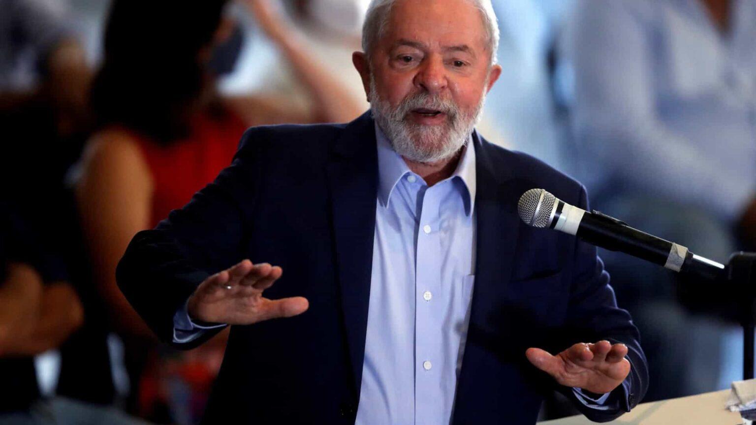 Lula tenta isolar Bolsonaro na direita radical para 2022, e presidente se agarra a anticomunismo