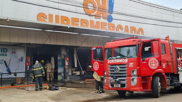 Supermercado é destruído por incêndio no interior de Rondônia