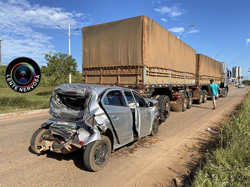 Carro ocupado por mulheres é prensado entre caminhão e carreta no Trevo do Roque – FOTOS E VÍDEO