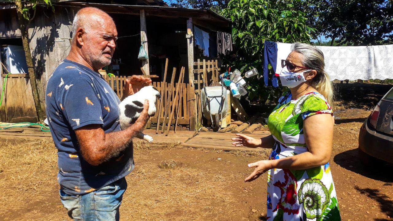Vereadora Márcia Socorristas Animais visita moradores do ramal Jatuarana e ouve as demandas da comunidade
