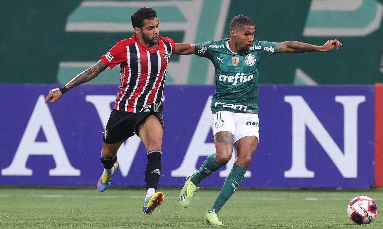 Sotaque estrangeiro marca final estadual entre Palmeiras e São Paulo