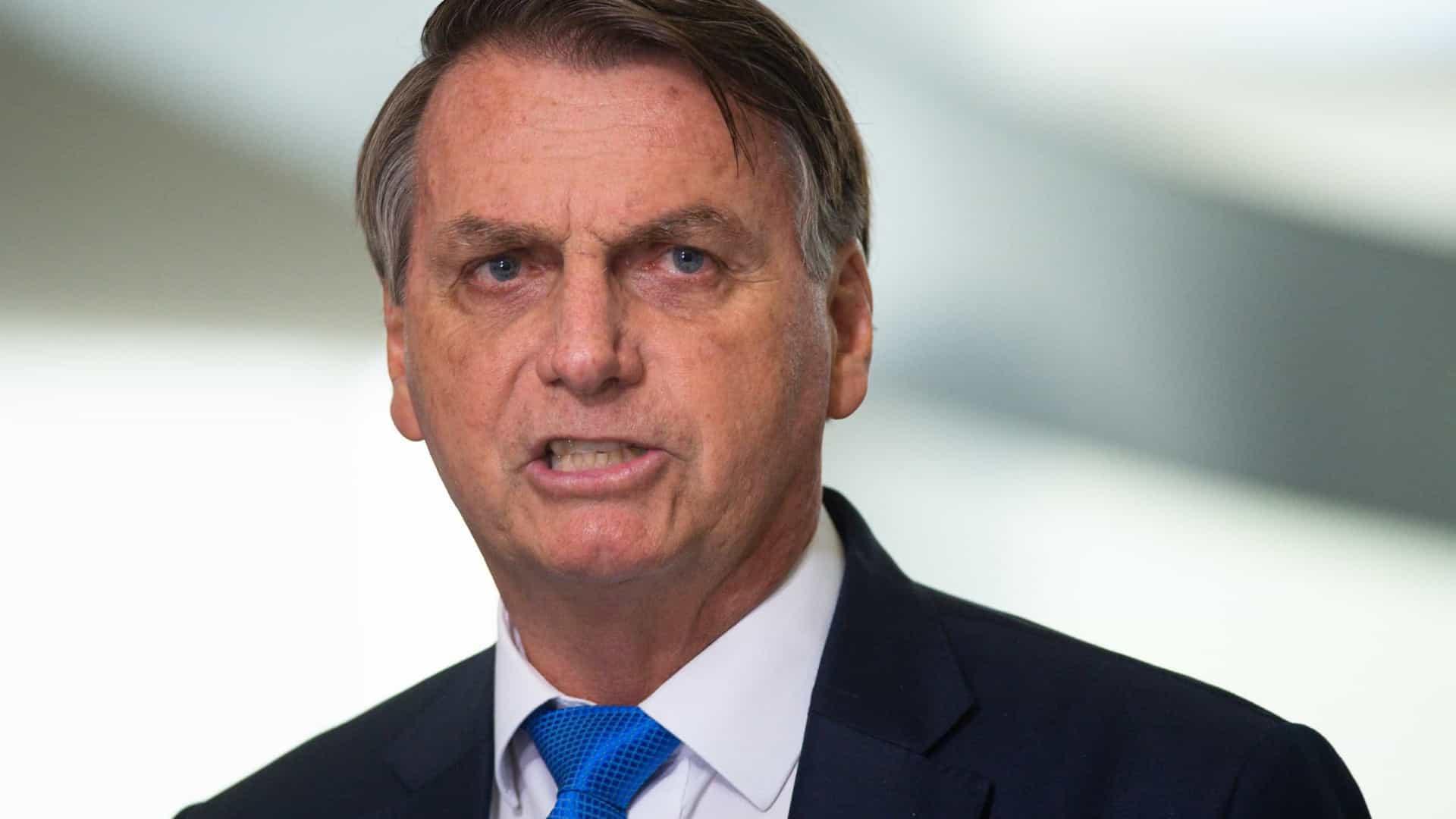 Após protestos em mais de 200 cidades, Bolsonaro diz que 'faltou erva' para atos