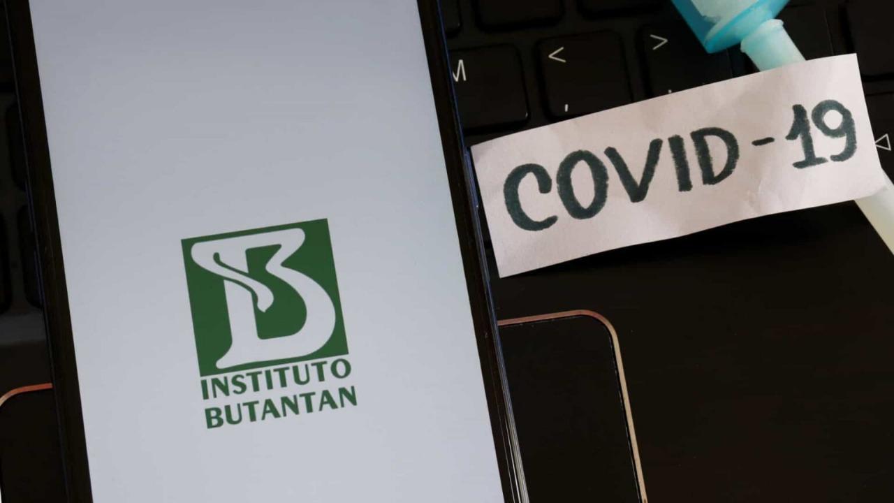 Butantan aguarda novo lote de insumos para manter produção da Coronavac