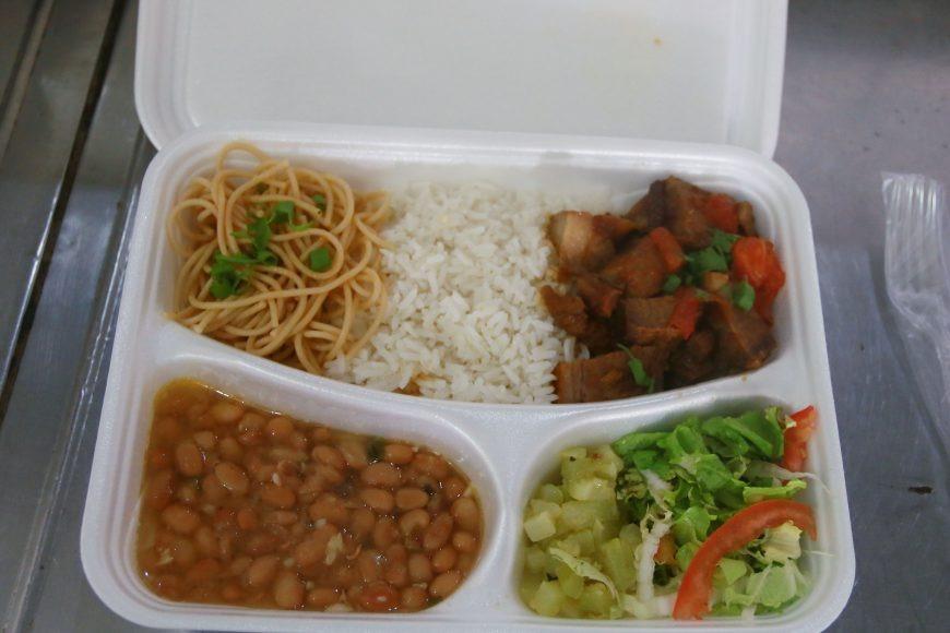 """No primeiro mês do """"Prato Fácil"""" mais de 17 mil pessoas foram atendidas com alimentação saudável e de baixo custo"""