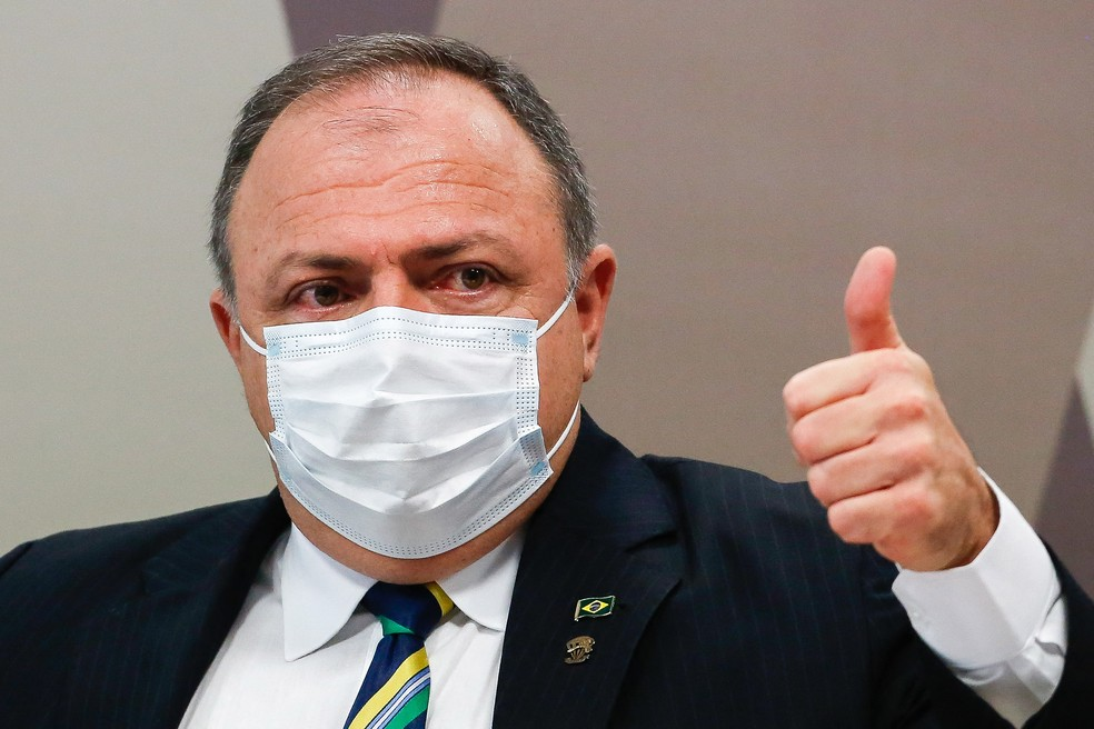 Exército decide não punir Pazuello por participação em ato político com Bolsonaro