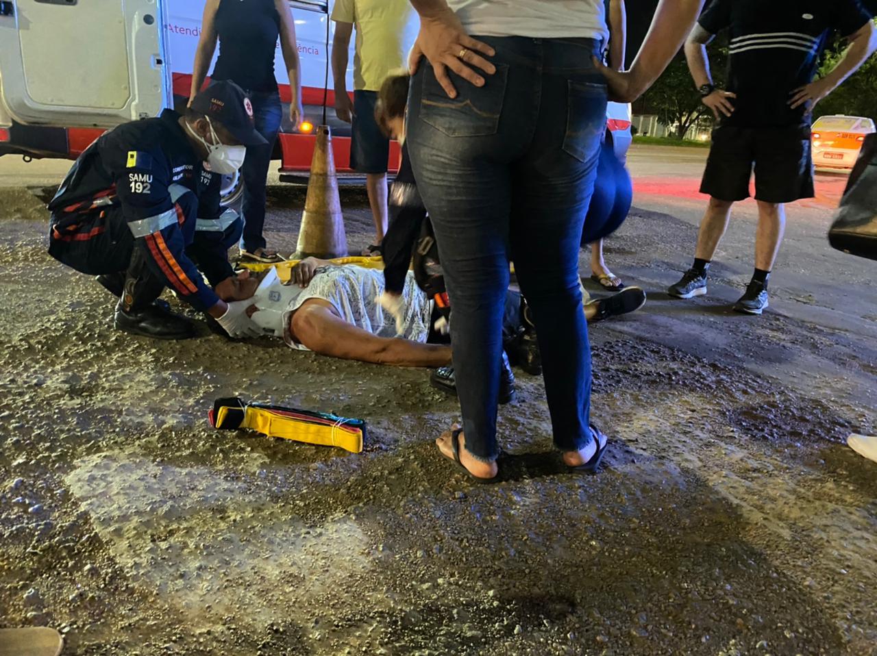 Ciclista fica ferido ao colidir em automóvel no Bairro Embratel