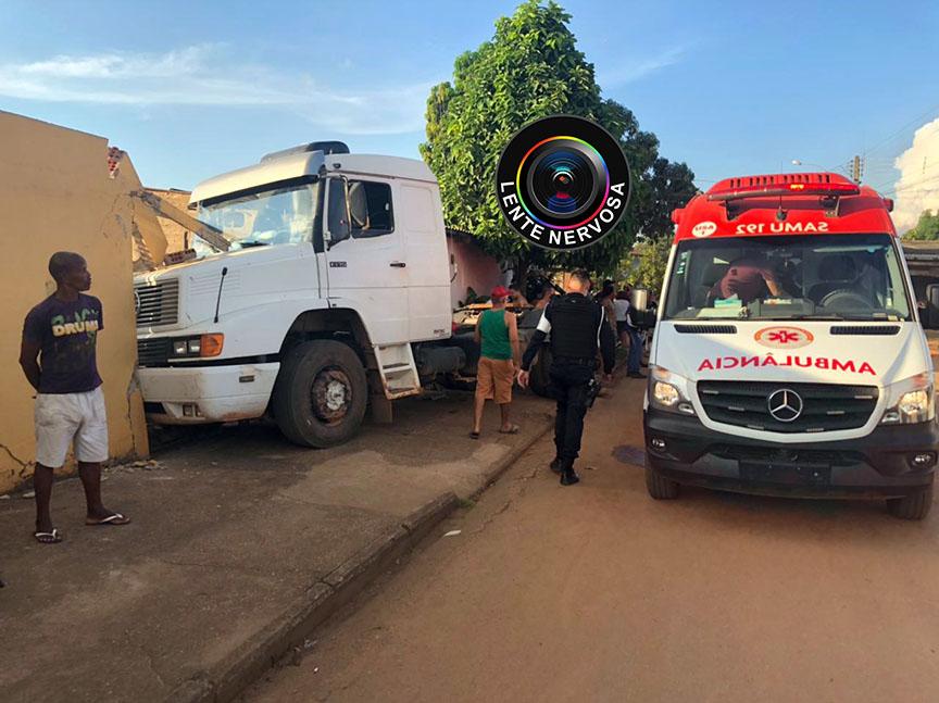GRAVE – Adolescente de 16 anos dirigindo caminhão atropela casal na zona sul da capital