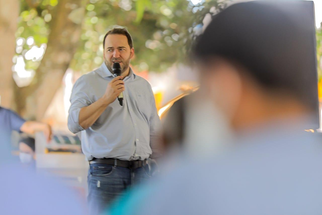 Presidente Alex Redano anuncia convênio de R$ 1 milhão para recuperação de estradas em Vale do Anari