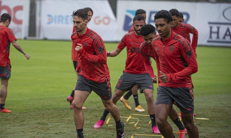Flamengo tenta retomar caminho das vitórias contra o Cuiabá