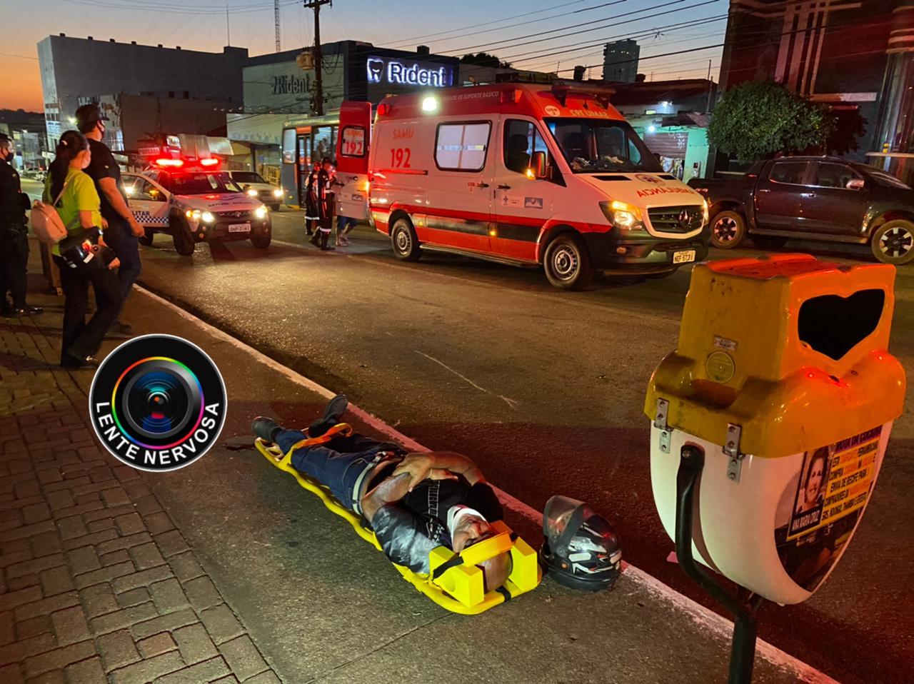 Motociclista atropela pedestre que atravessou fora da faixa no centro da capital