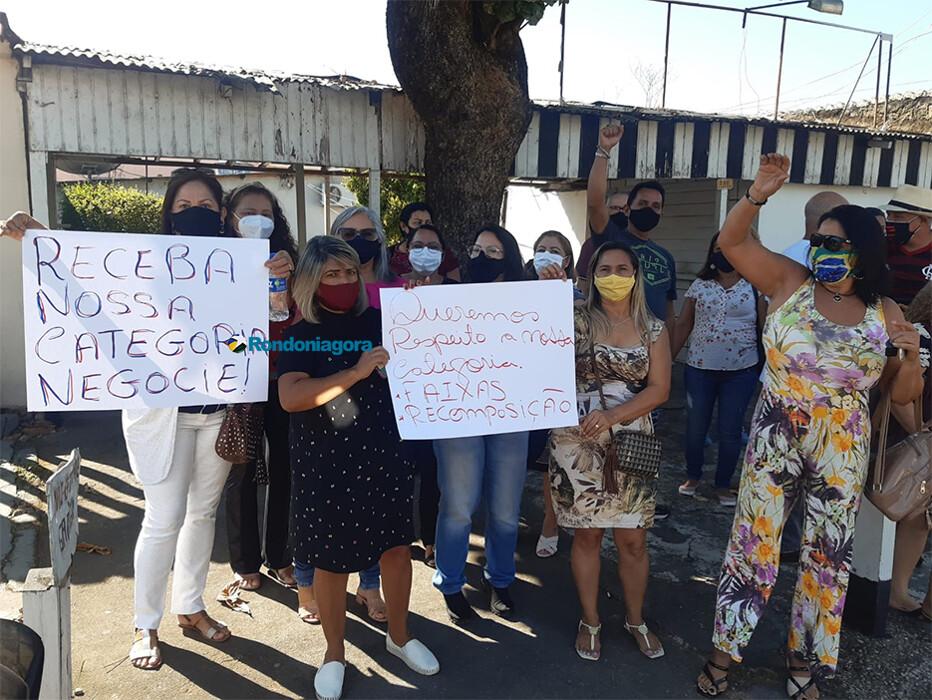 Servidores da Câmara fazem protesto por correção da inflação em salários