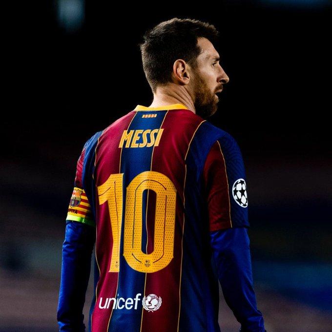 Barcelona anuncia saída de Messi