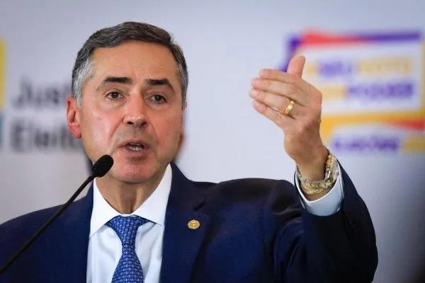 TSE rebate Bolsonaro e diz que nunca houve nada de anormal com sistema
