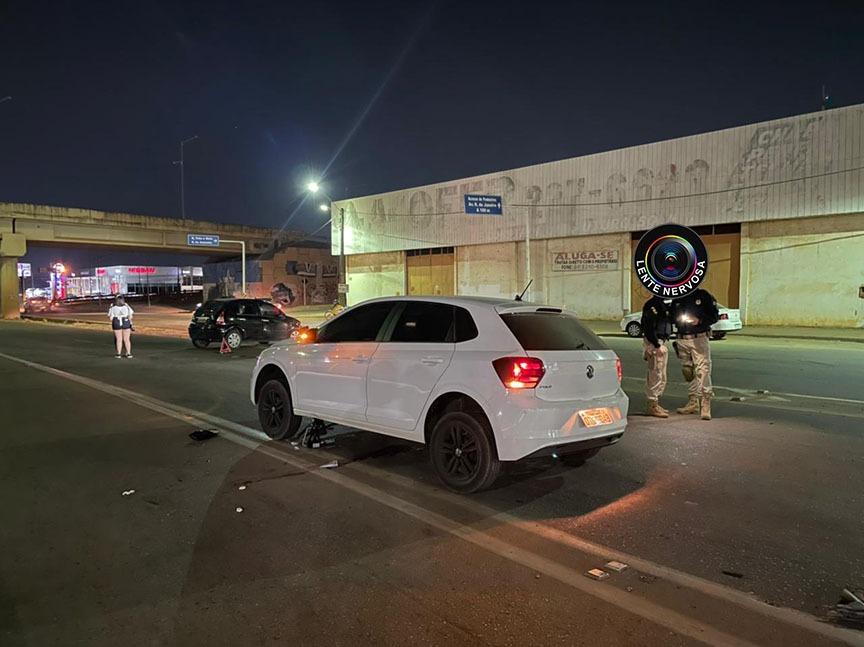 Motoqueiro é arrastado e fica embaixo de carro em grave acidente na BR-364 – VÍDEO