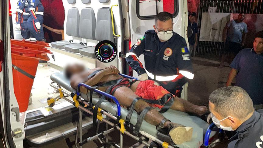 Monitorado por tornozeleira é atingido por quatro tiros em frente residência na zona sul – VÍDEO