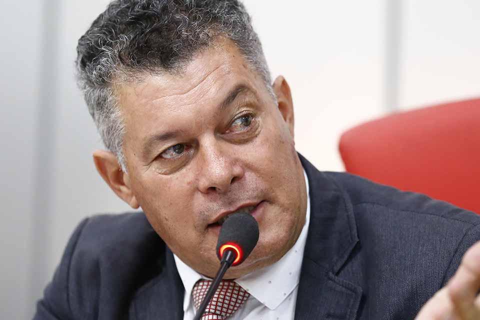 FIM DA LINHA – Deputados tem cinco dias para tirar mandato de Edson Martins ou responderão por improbidade, determina TJ/RO