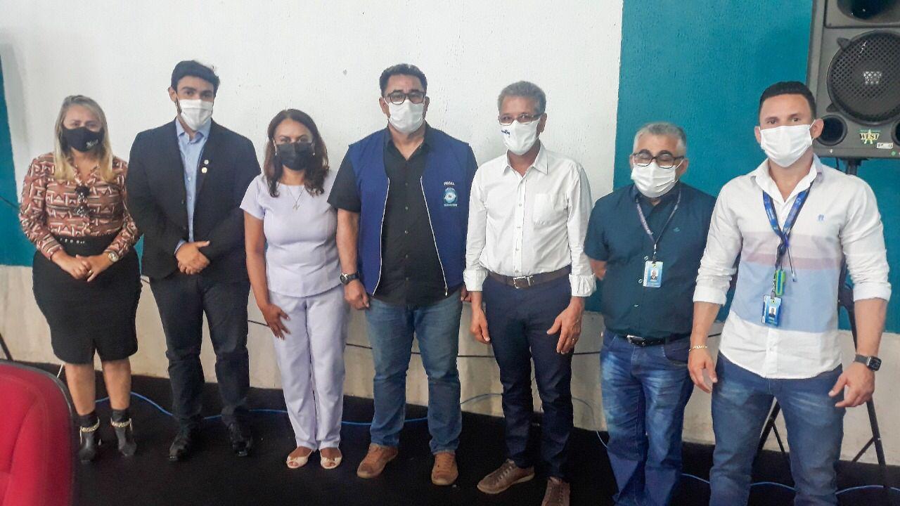 Para frisar importância da água, vereadora Márcia Socorristas Animais participa de evento realizado na Funasa
