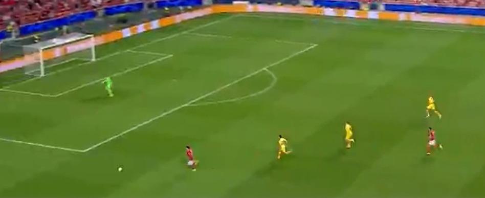 Em crise, Barcelona leva 3 a 0 do Benfica e se complica na Champions