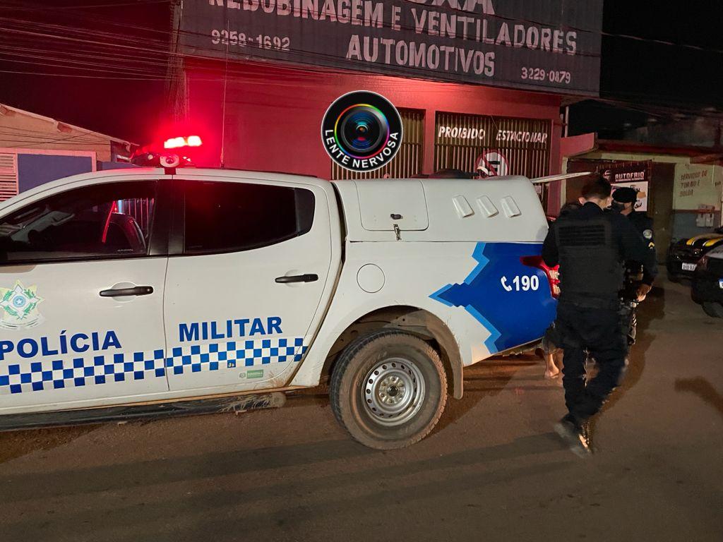 Homem se nega a pagar conta em motel e é preso após ameaçar policiais e danificar viatura