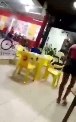 Mulher descobre traição e vai em distribuidora agredir a amante do marido