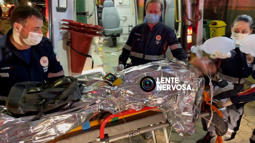 ATUALIZADA – VÍDEO: homem é encontrado com múltiplas fraturas na BR-364 e polícia suspeita de atropelamento
